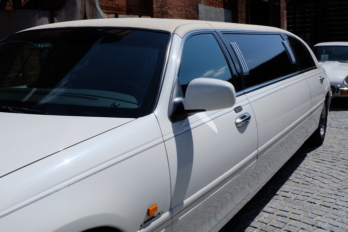 seattle-limo-bus-western-washington-limousine-service