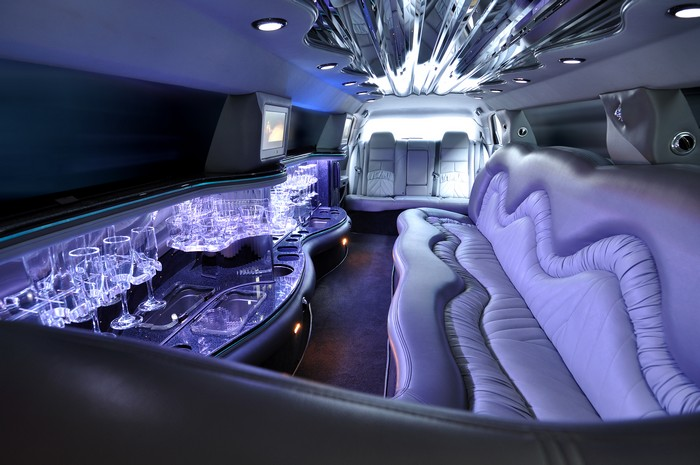 10-Things-you-should-know-about-Limousines-for-Proms-WA