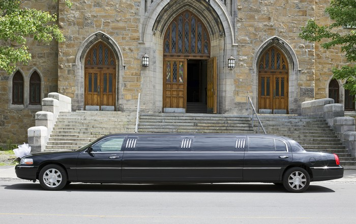 limo-bus-rental-maple-valley-wa-private-limousine