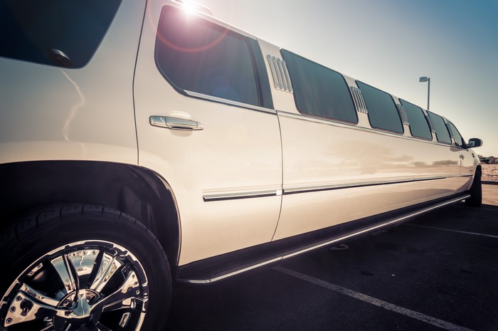 land-yachts-limousine-rental-bonney-lake